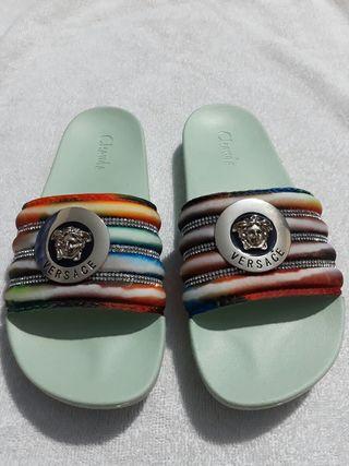sapatos de versace para mujers