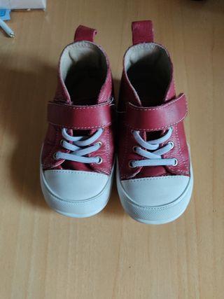 Jucar Zapato feroz rojo