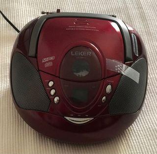 Radio CD Mp3 Leiker con peculiaridad.