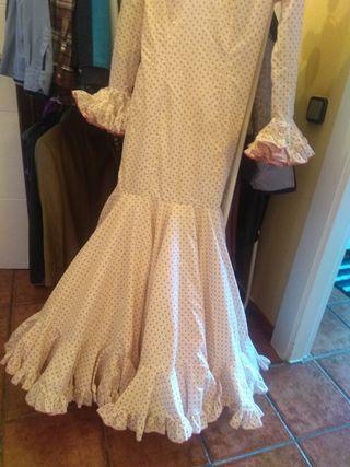 vestidos de sevillanas