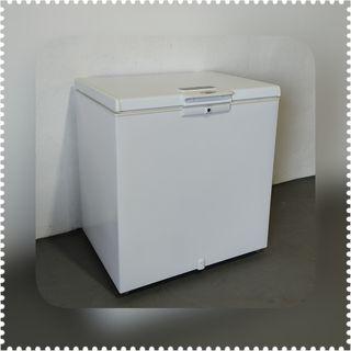 Congelador Arcón WHIRLPOOL (Outlet)