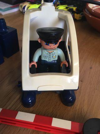 Lego Duplo policía y helicóptero