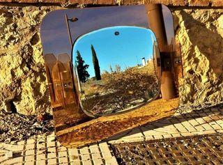 Antiguo espejo de baño de los sesenta
