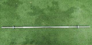 Barra de musculación de 180cm y 30mm de diámetro