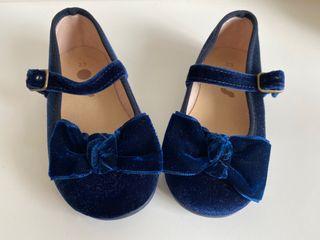 Merceditas OTS de terciopelo azul y talla 23