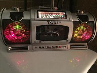Radio cassette con luces en altavoces