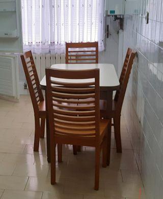 Mesa cocina con 4 sillas URGE VENDER