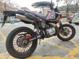 YAMAHA DT 125X (supermotard)