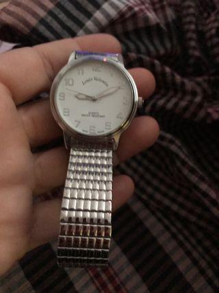Reloj Luis Valentín