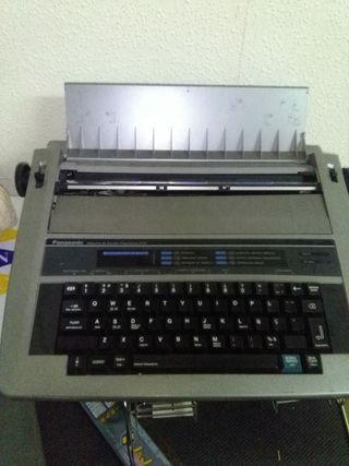 Maquina de escribir eléctrica antigua