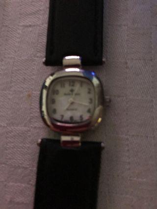 Reloj de pulsera pequeño
