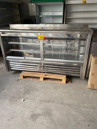 Frente mostrador de puertas de cristal 2m
