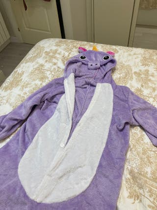 Pijama de unicornio morado