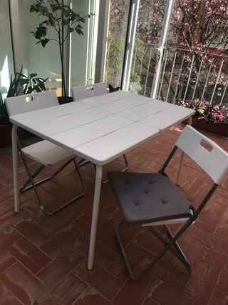 Juego mesa jardín y 4 sillas plegables con cojin