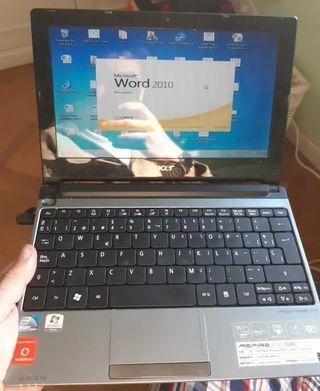 Acer Aspire One D260 con Windows 7 Professional e