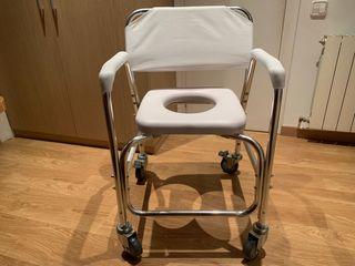 Silla de ruedas para baño y aseo