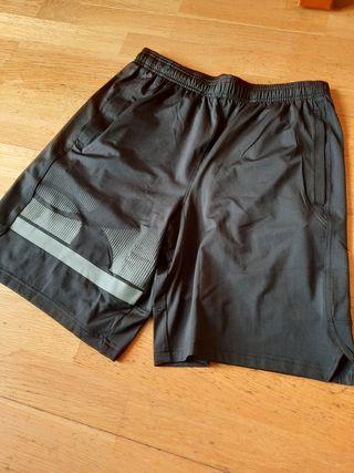 Pantalón deportivo Under Armour M