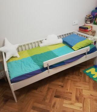 Cama infantil + colchón Ikea