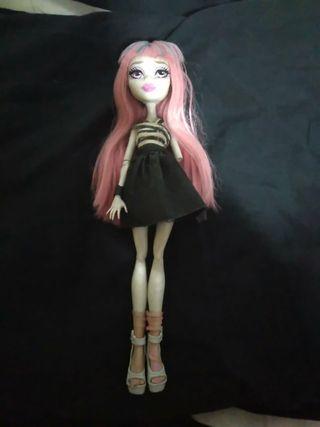 muñeca rochelle goyle Monster high