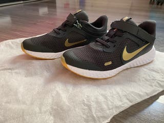 Deportivas Nike talla 33