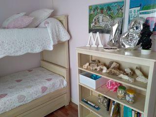 Conjunto literas , mueble estantería, mesa,banqu