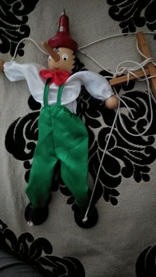 marioneta pinocho de madera.