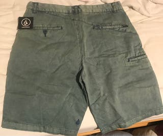 Pantalón corto nuevo volcom talla 32