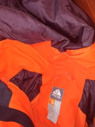 abrigo plumas naranja Acg. nike