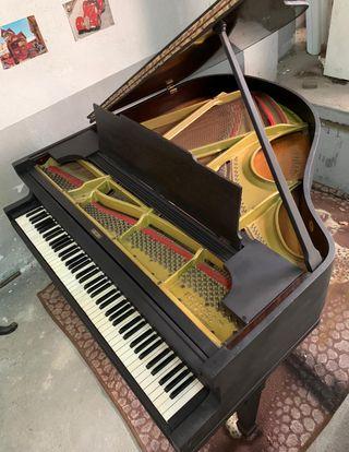 Piano de cola George Steck