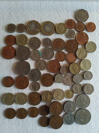 Amplia colección de monedas