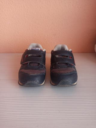 Zapatillas número 22