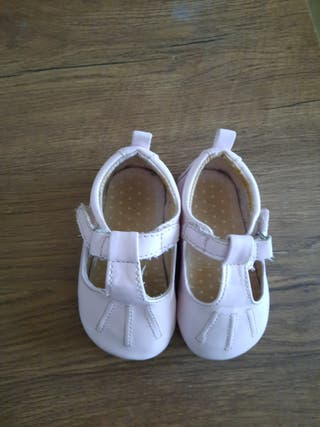 Zapatos niña N 18 19 1€