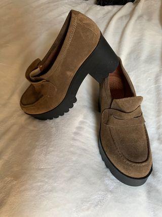 Zapatos en buenas condiciones