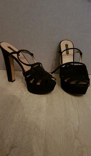 Sandalias Negras Tacón