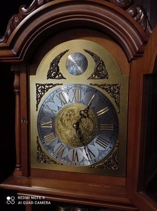 reloj de pié carrillon