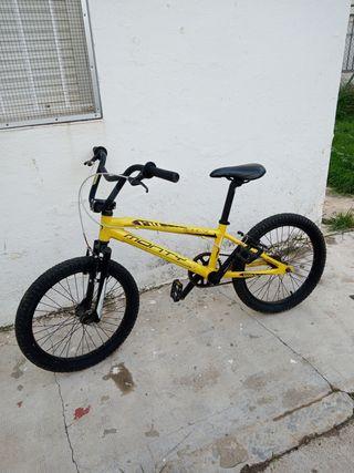 Bicicleta Monty x bmx