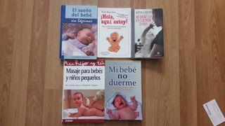 lote de libros sobre el bebé