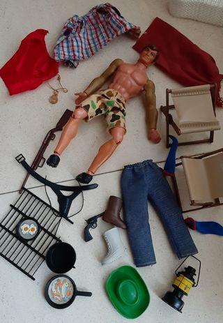 Big Jim con ropa y accesorios de camping
