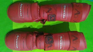 protecciones karate rojas Arawaza