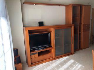 Mueble TV y columna con vidriera y armario