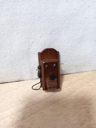 Teléfono y Tocadiscos Miniatura