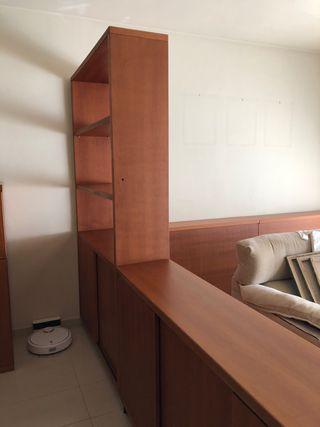 Muebles aparador y estanteria.