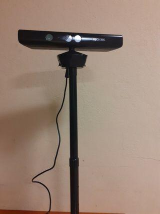 Kinect XBox 360 con soporte y juegos