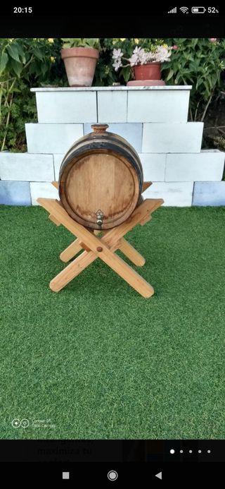 Barril madera 20 litros con soporte para reparar