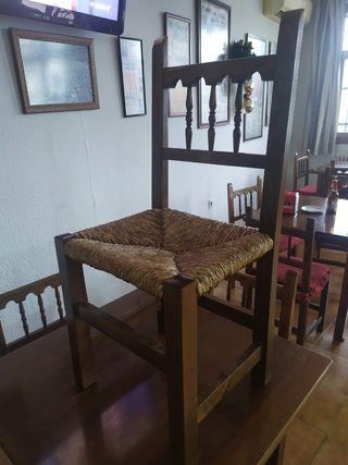 mesas y sillas tipo castellano