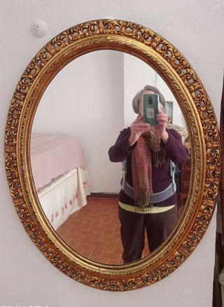 Espejo dorado.