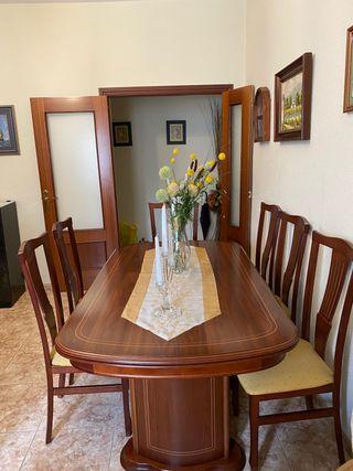 Mesa de comedor y 6 sillas