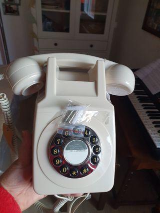 telefono estilo antiguo.