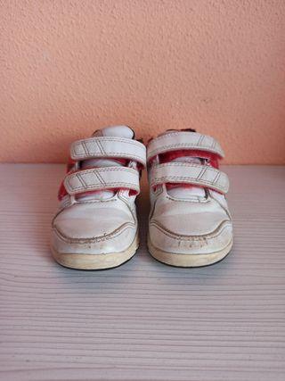 Zapatillas número 21