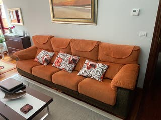 Sofá de 4 plazas con asientos deslizantes
